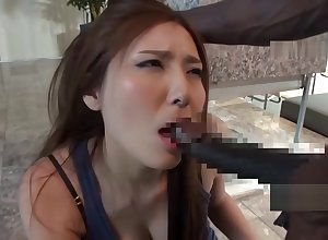 Hot Asian MILF Gets Broad in the beam Treacherous Dig up